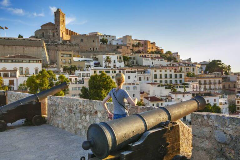 Visitare Dalt Vila a Ibiza con la famiglia